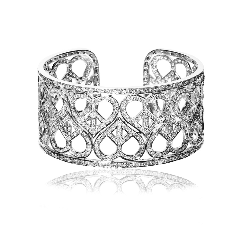 HCBS 18k white gold Heart Cuff Bracelet, 4.30ct